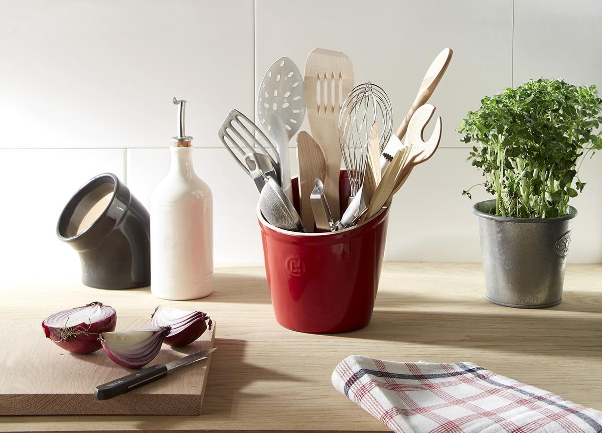 Кухонные гарнитуры п образной формы фото больше