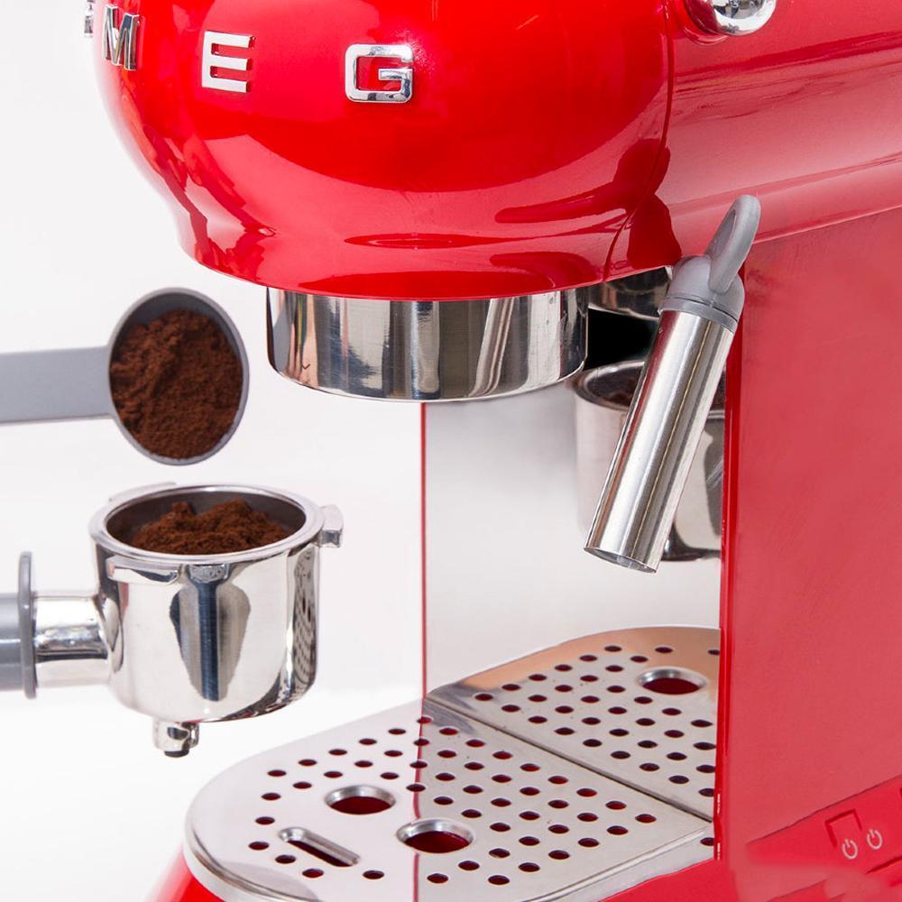 Кофемашина-эспрессо 30х33 см Smeg 50's Style ECF01RDEU красная - 7 фото