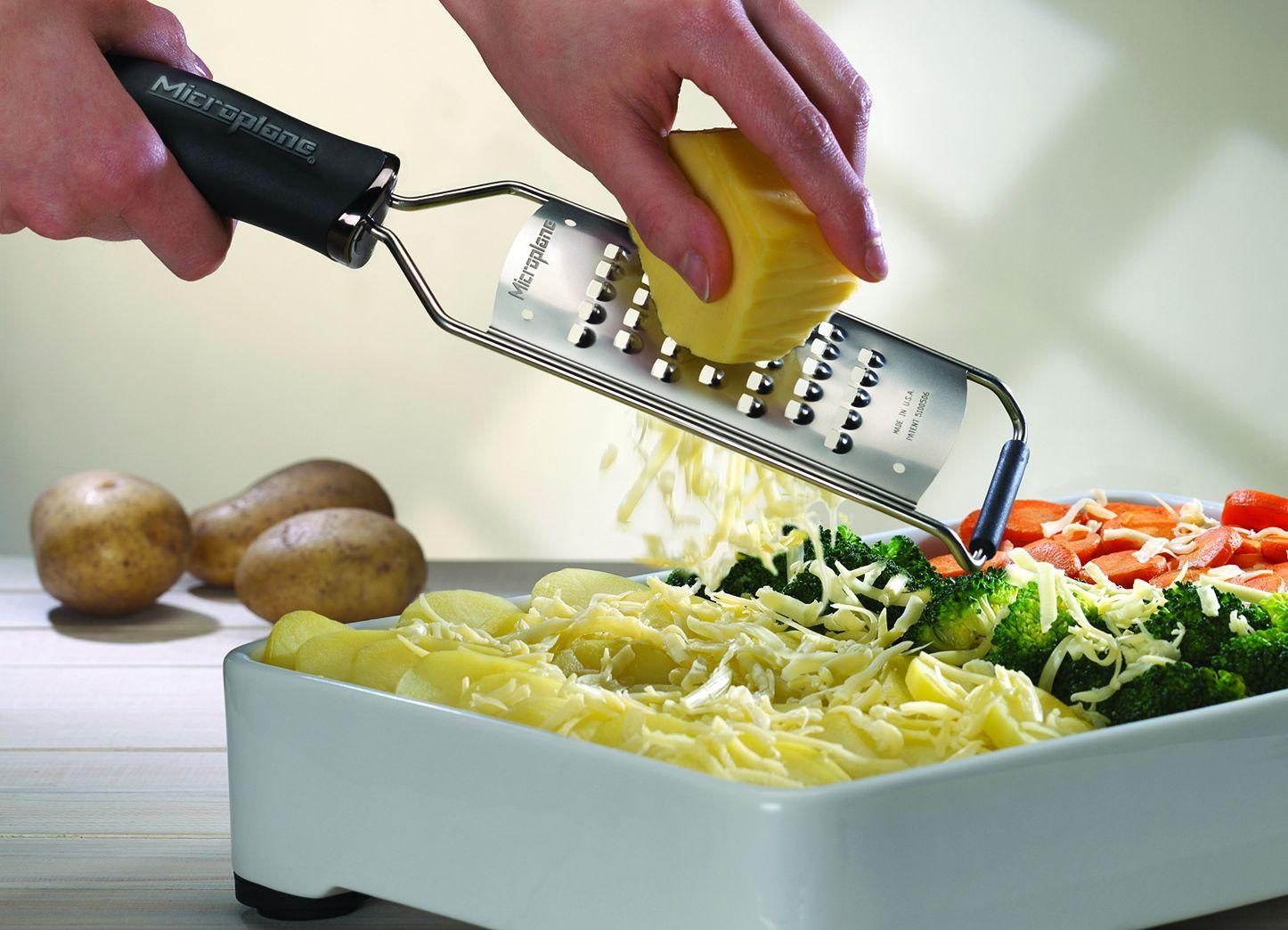 Терка Microplane Gourmet экстра крупная - 4 фото